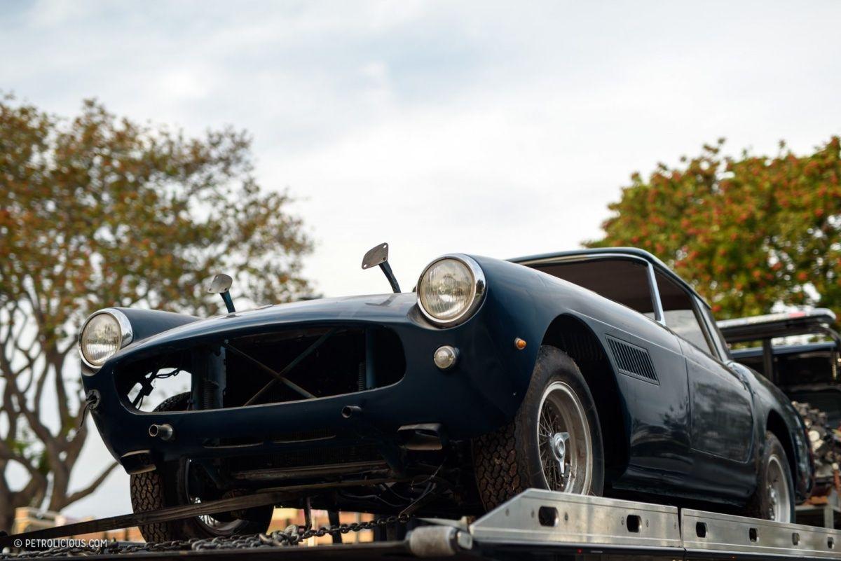 В заброшенном гараже нашли коллекцию раритетных автомобилей 2