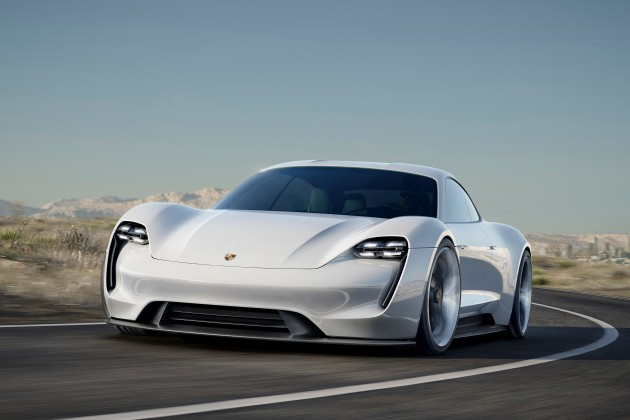 Porsche столкнулась с невиданным спросом на электрокар Taycan 1