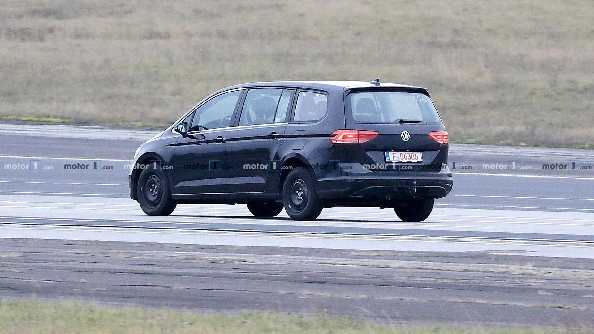 Volkswagen разрабатывает новый минивэн Variosport 2