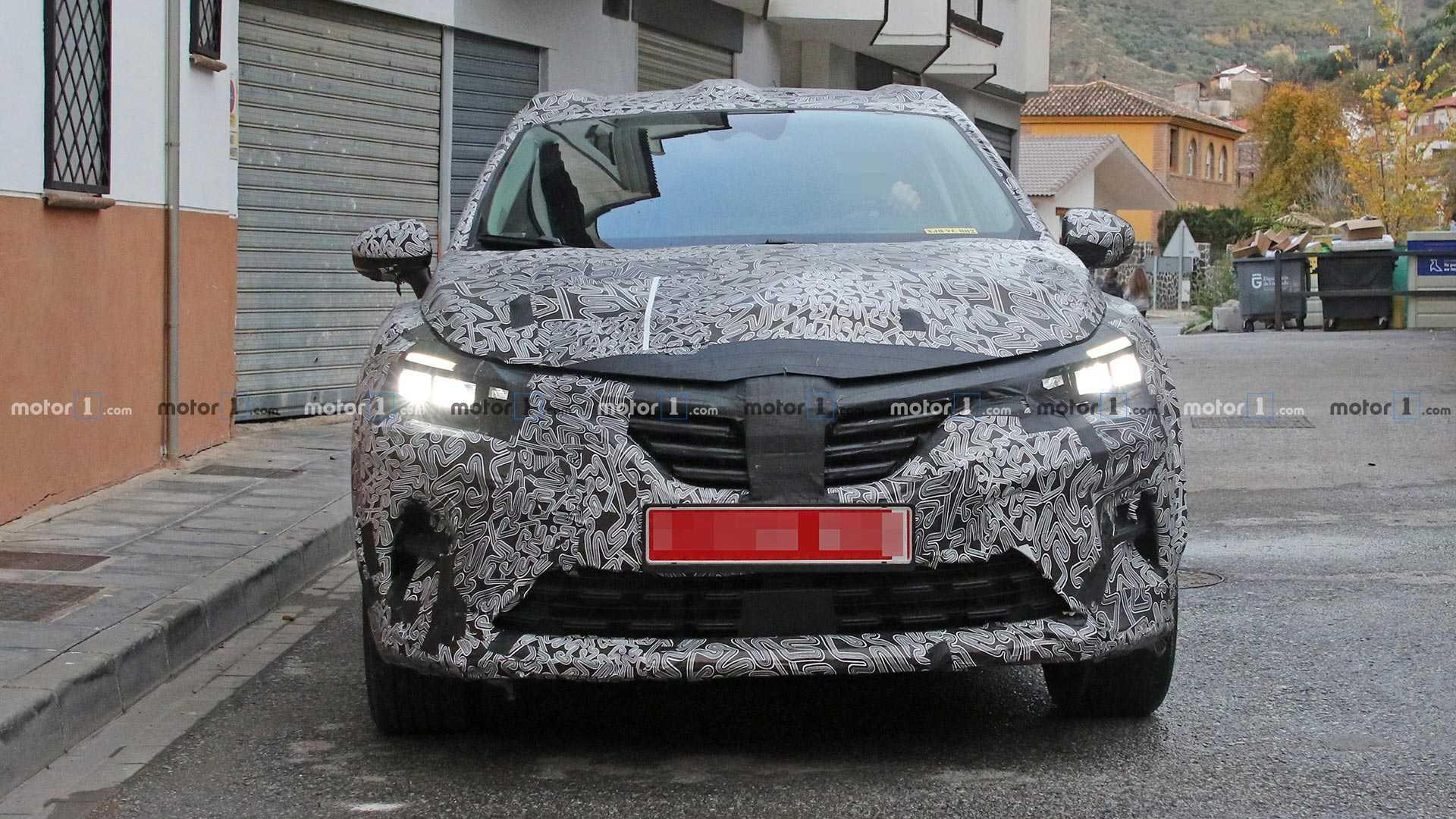 Обновлённый Renault Captur появился на тестах 1