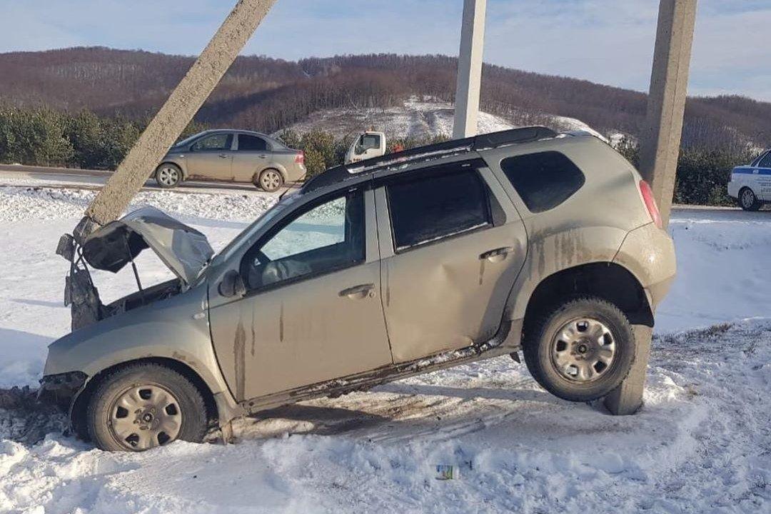 Renault Duster разбили в очень необычном ДТП 1