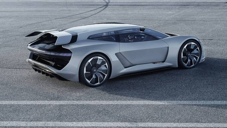 Дизайнеры Audi хотят запустить в серию электрический гиперкар PB18 e-tron 3