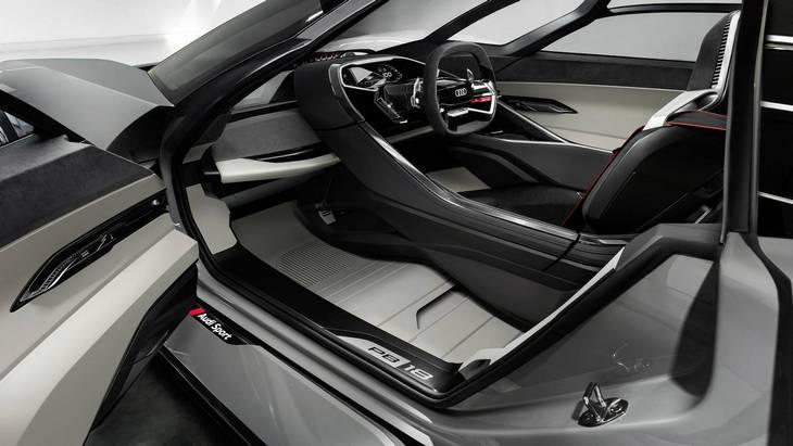 Дизайнеры Audi хотят запустить в серию электрический гиперкар PB18 e-tron 2