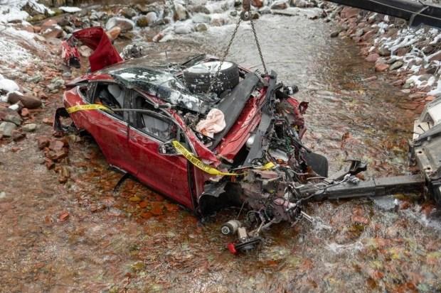 В США электрокар Tesla с подростками попал в жуткую аварию 1