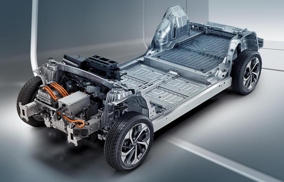 Путь Гумперта: Audi, суперкар Apollo, теперь китайский кроссовер Aiways U5 3