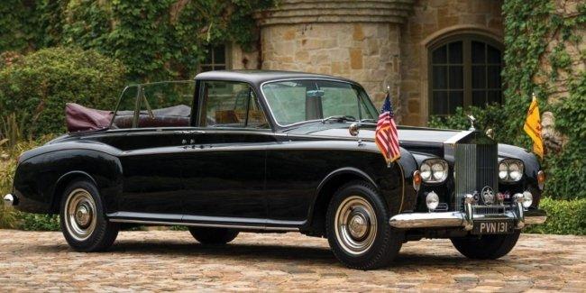 На продажу выставлен лимузин королевы Британии и известного диктатора 1