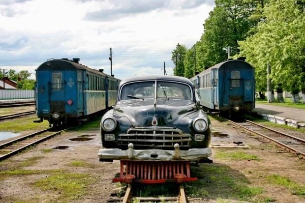 Укрзализныця решила списать единственный в мире рельсовый лимузин ЗИМ 2