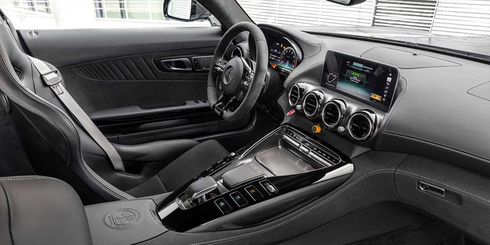 Mercedes модернизировал суперкар AMG GT 3