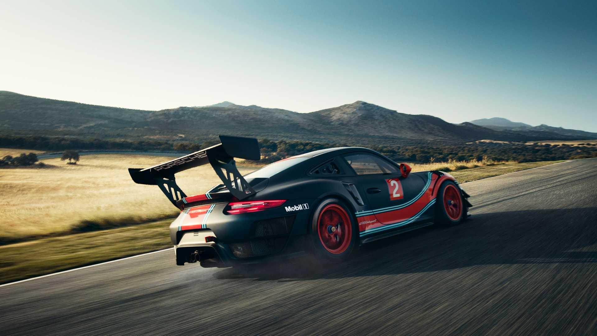 Porsche превратил 911 GT2 RS в гоночное купе Clubsport 2