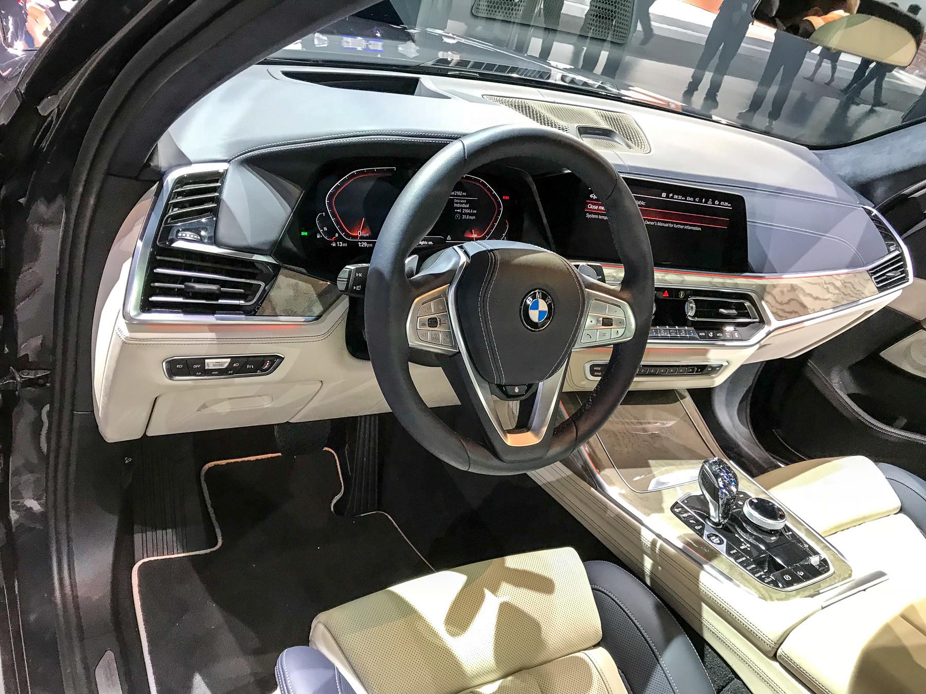 Опубликованы первые изображения нового BMW X7 2
