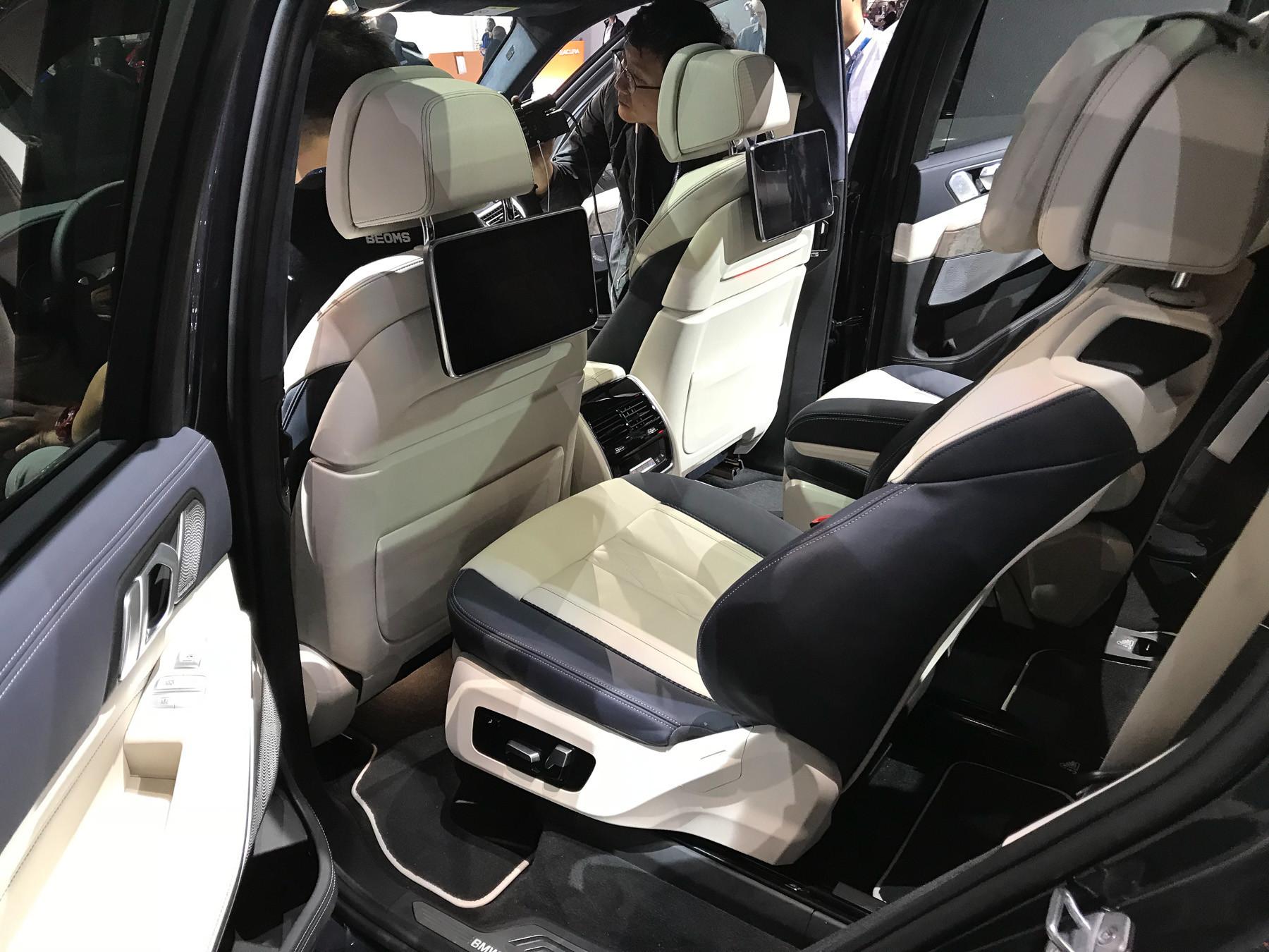 Опубликованы первые изображения нового BMW X7 3