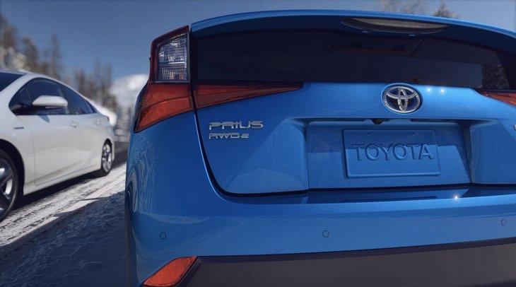 Toyota решила прокачать Prius полным приводом 2