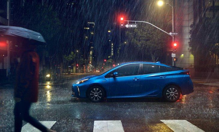 Toyota решила прокачать Prius полным приводом 3