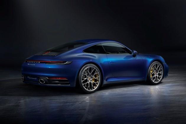 Новый Porsche 911 стал дороже и быстрее 2