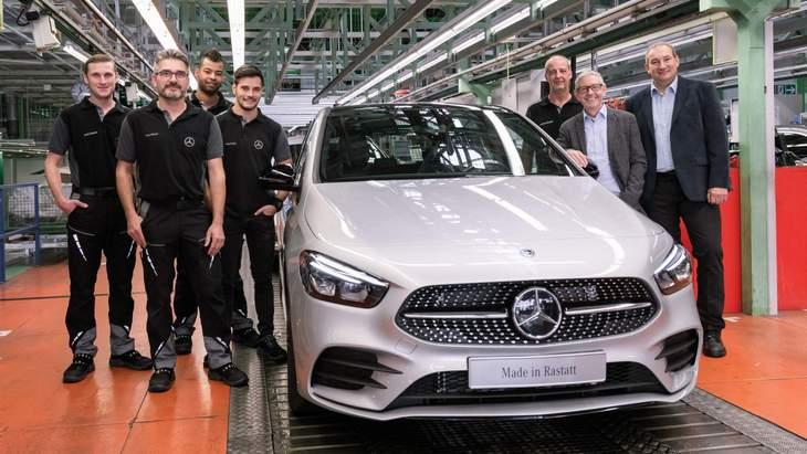 Mercedes начал производство минивэна B-Class 2019 модельного года 1