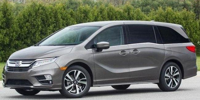 Honda отзывает более 100 тысяч минивэнов из-за открывающейся во время движения двери 1