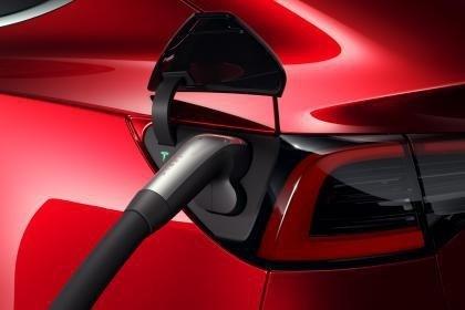 Tesla специально для Европы оборудовала Model 3 разъемом CCS Combo 2 1