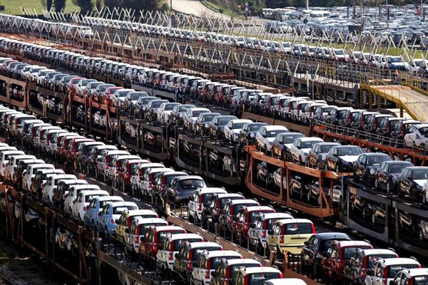 Мировые продажи автомобилей катятся вниз 1