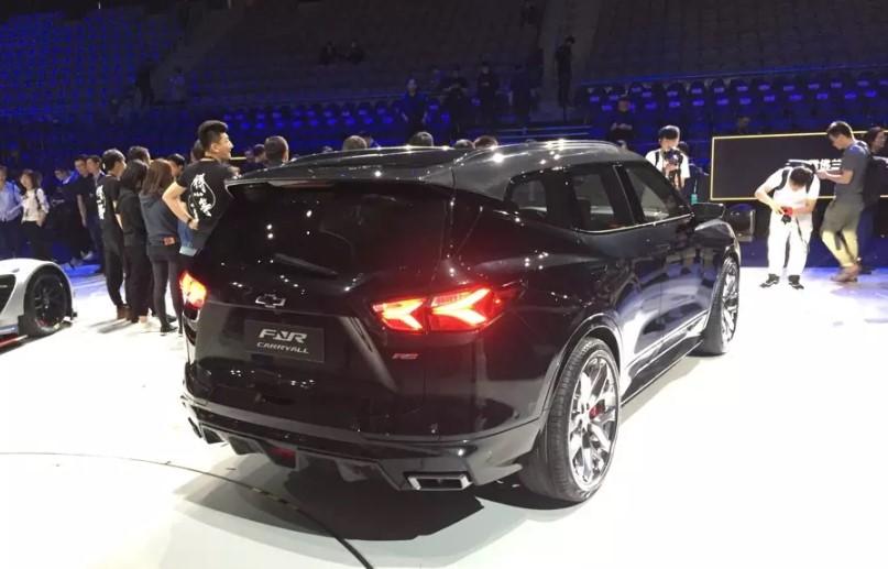Новый кроссовер Chevrolet назвали в честь первого «Сабурбана» 3