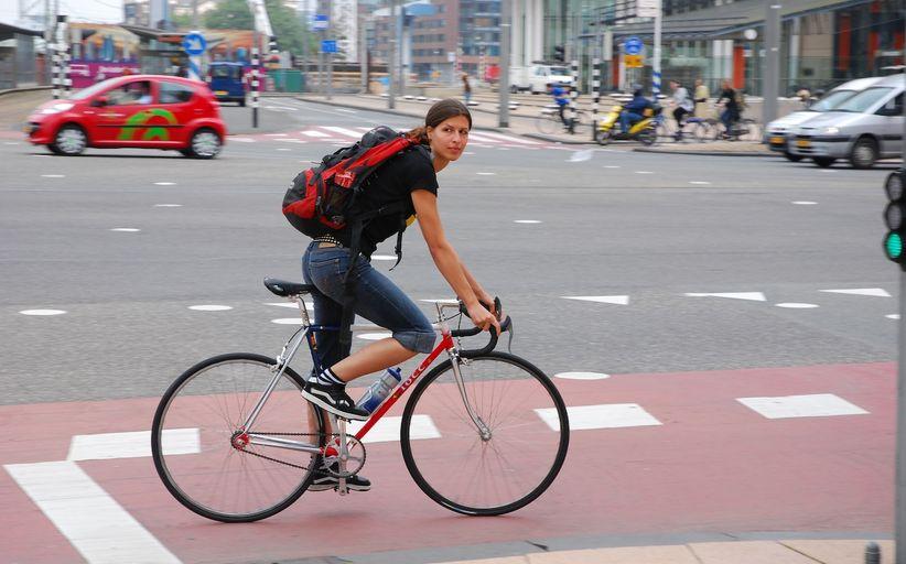 В Чехии велосипедистам разрешили пить за рулем 1