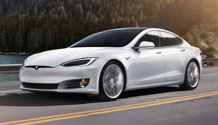 Tesla можно будет управлять со смартфона 1
