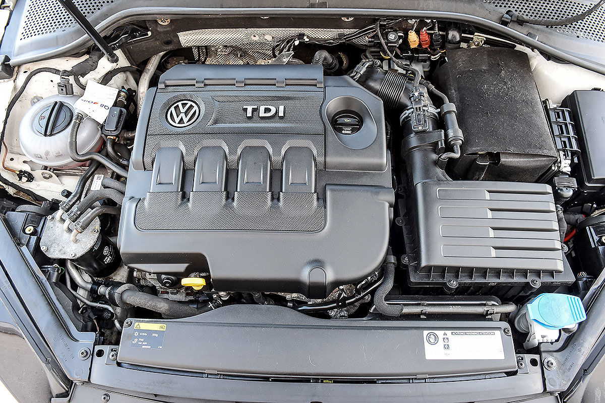 «Покупать или забыть»: тест-драйв подержанного VW Golf 4