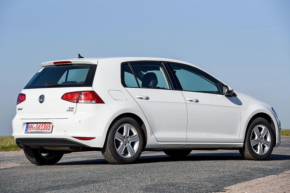 «Покупать или забыть»: тест-драйв подержанного VW Golf 3