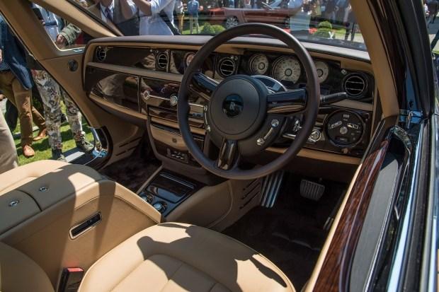 Rolls-Royce запустит в производство самый дорогой автомобиль в мире 3