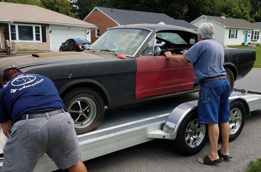 Редчайший коллекционный Ford Mustang нашли в заброшенном гараже 1