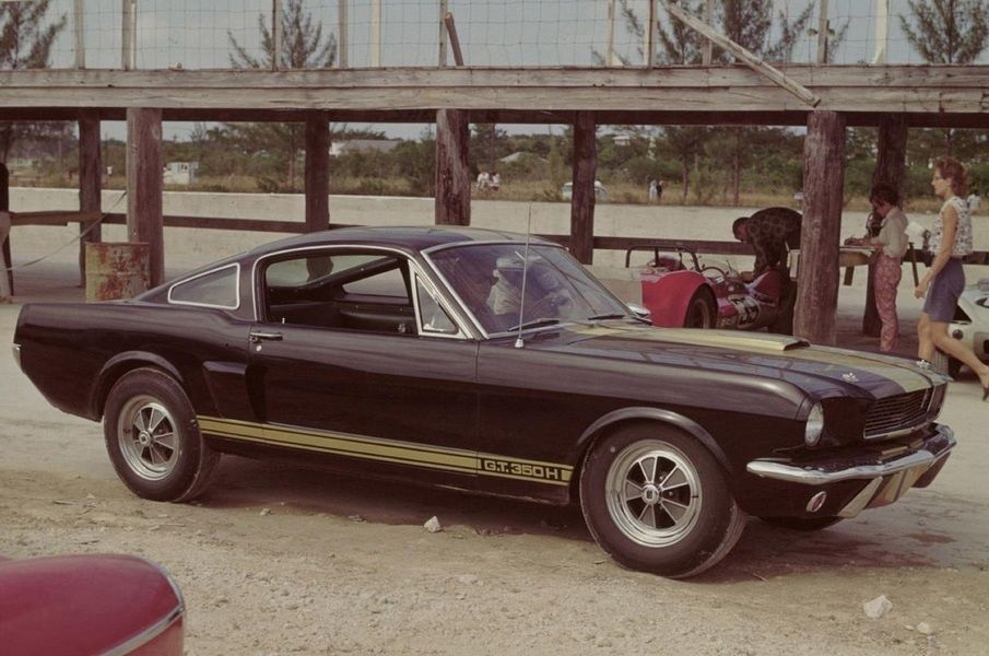 Редчайший коллекционный Ford Mustang нашли в заброшенном гараже 3