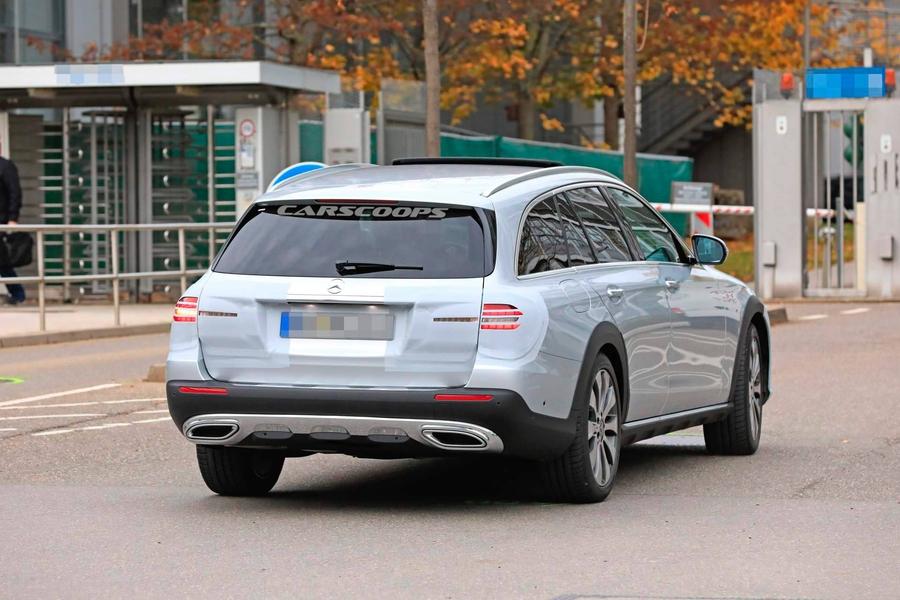 Mercedes-Benz вывел на тесты обновленный E-Class All-Terrain 2