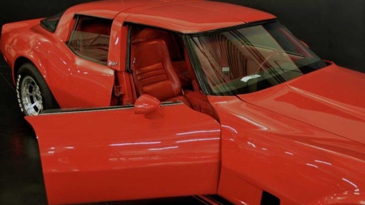 Редчайший седан Chevrolet Corvette продают по цене Ferrari 1
