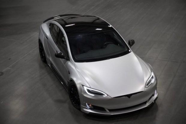 Представлена тюнингованная Tesla Model S P100D 1