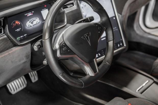Представлена тюнингованная Tesla Model S P100D 3