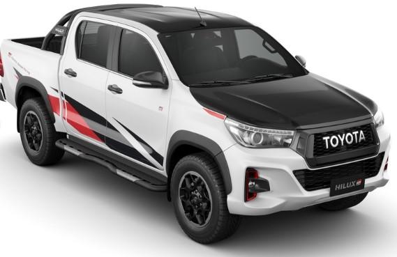 В линейке Toyota появились «спортивный» Hilux и новый псевдокроссовер 1