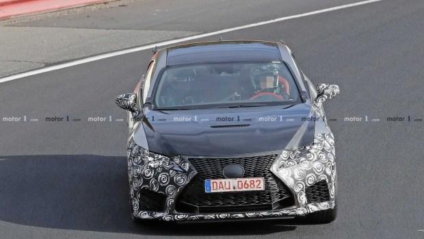 Трековый Lexus RC F GT застали на Нордшляйфе 1