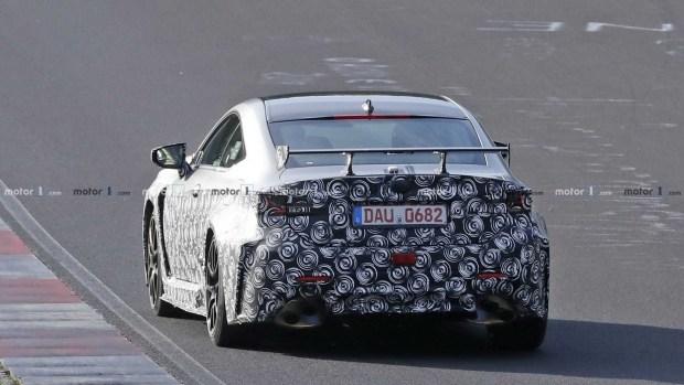 Трековый Lexus RC F GT застали на Нордшляйфе 3