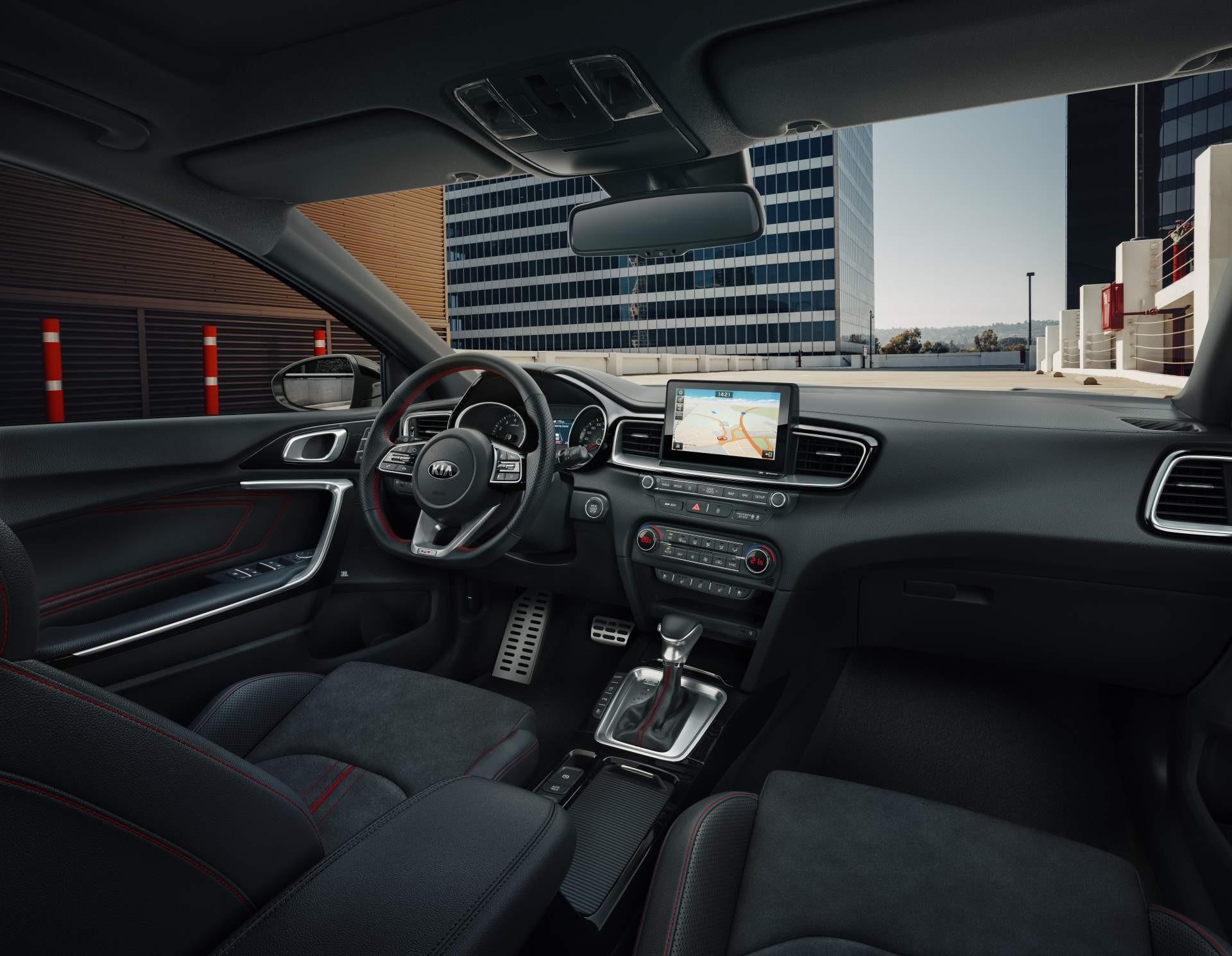 Kia Forte GT бросит вызов Volkswagen Jetta GLI 1