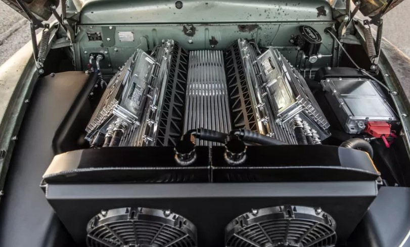 Американцы оснастили классический Mercury электромоторами Tesla 3