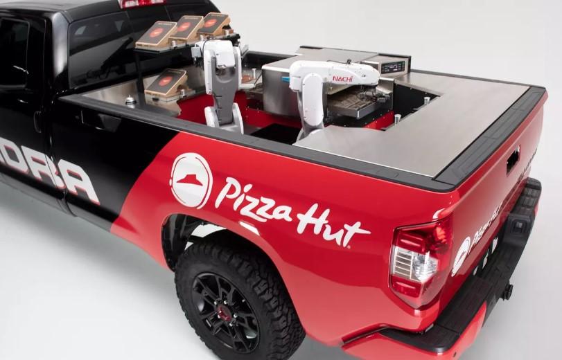 Пикап Toyota Tundra стал мобильной пиццерией 1