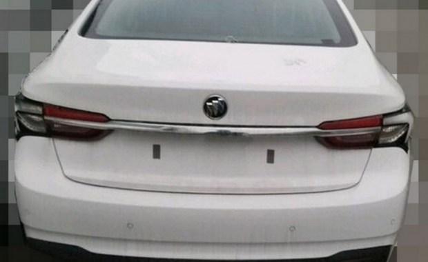 В Сети появились фотографии рестайлинговой «четырехдверки» Buick Verano 2