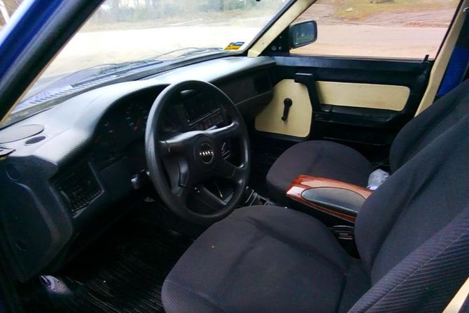 В Украине продают Москвич с кузовом ВАЗа и двигателем Audi 4