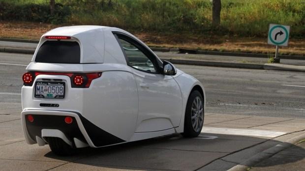Странный трехколесный электромобиль SOLO EV вызвал неожиданный спрос у покупателей 2