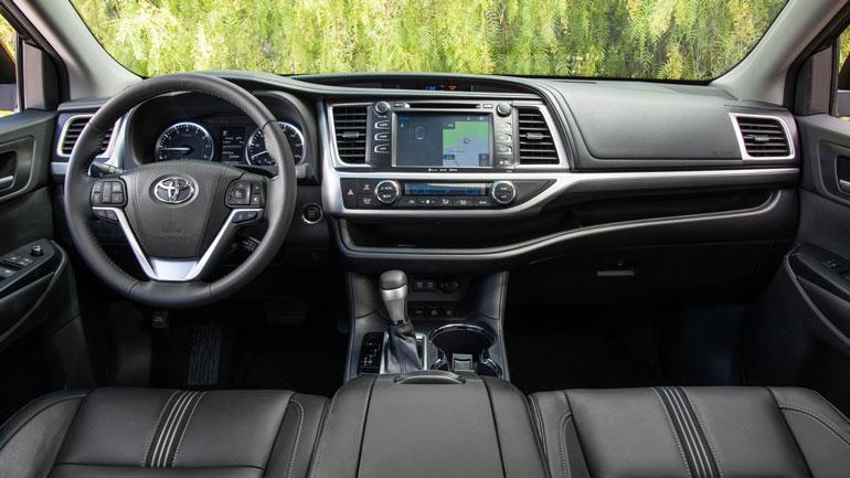 Toyota вывела на тесты новый Highlander 2