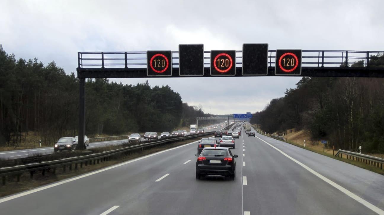 Легендарные немецкие автобаны могут ограничить в скорости 1