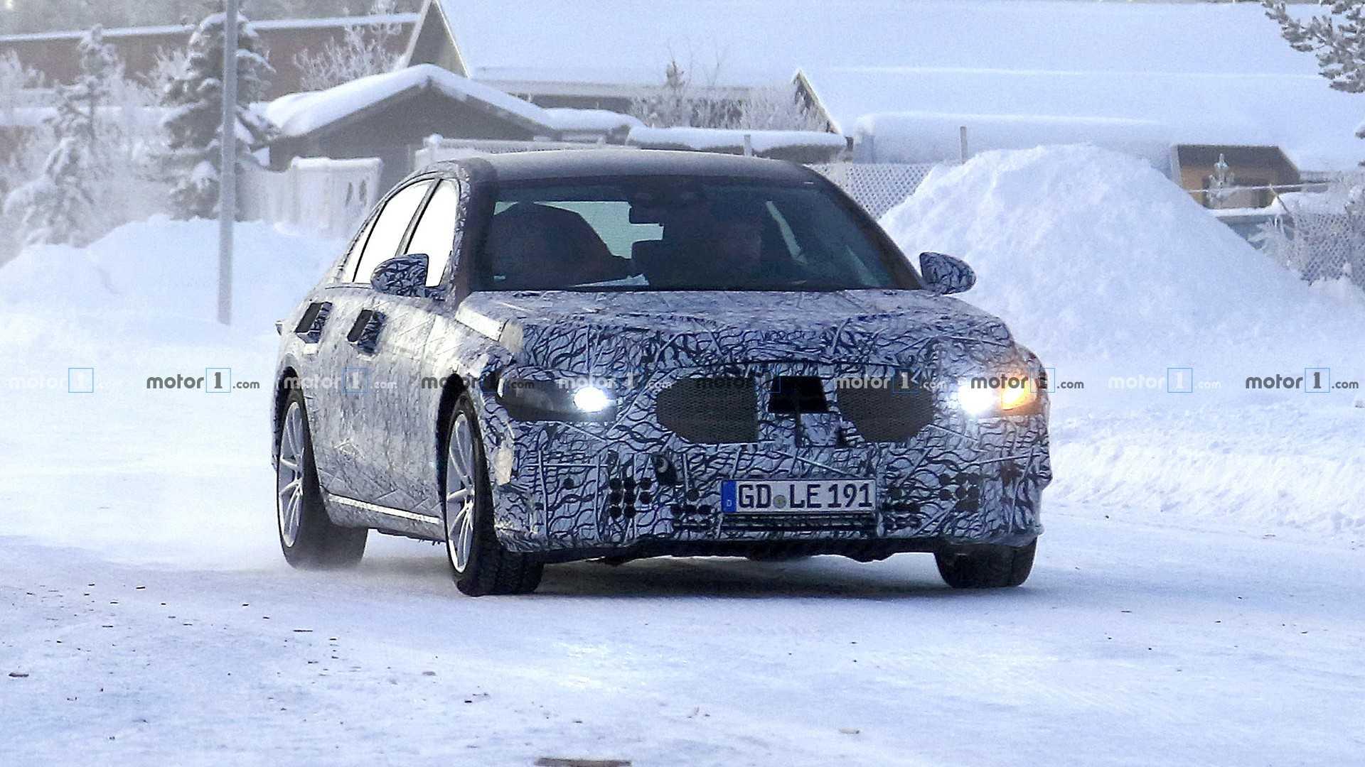 Mercedes-Benz начал испытания нового S-Class 1