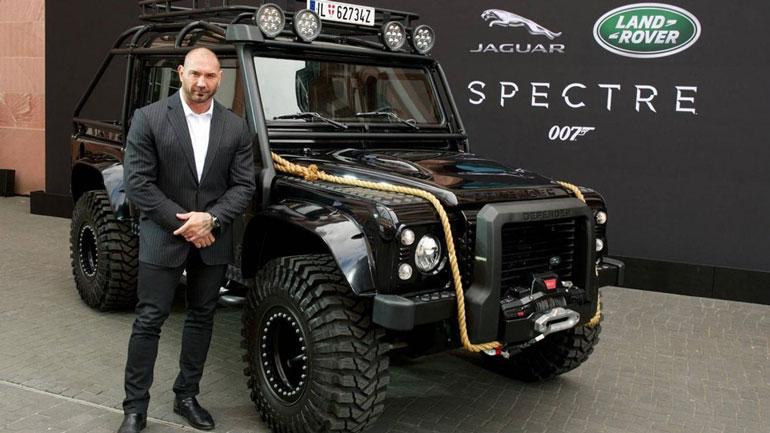 Land Rover Defender, как у «Бонда», выставлен на продажу 1