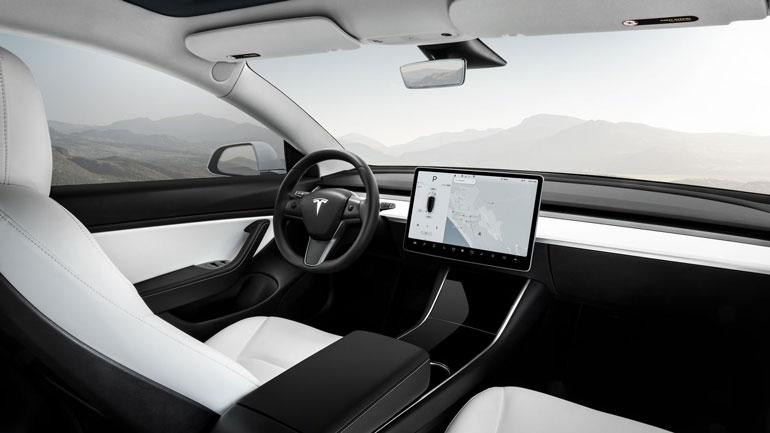 Tesla Model 3 стал самой продаваемой моделью премиум-класса в США 2