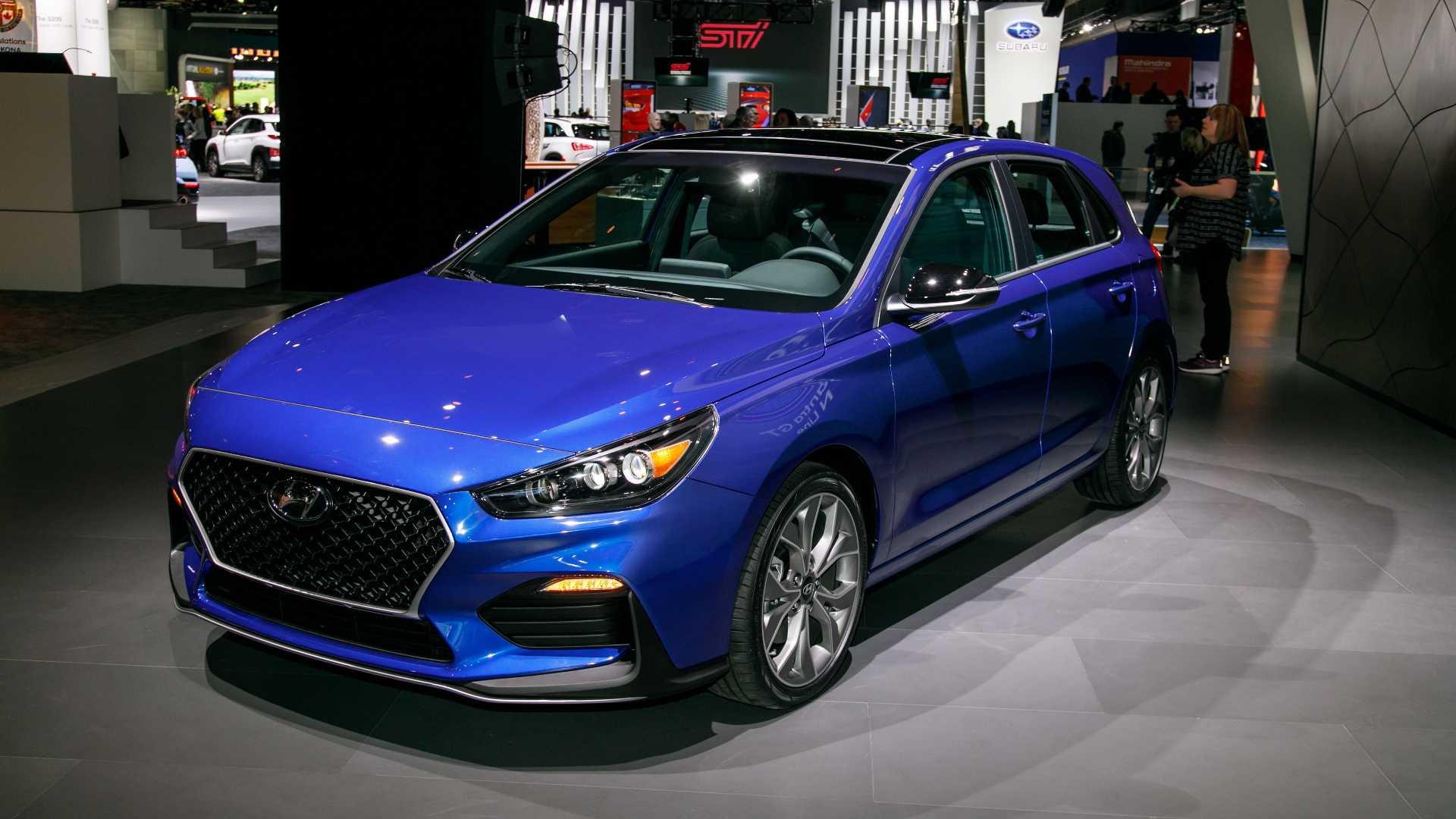 Hyundai Elantra GT N Line стал спортивнее на вид 1