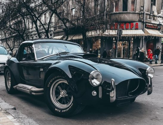 В Украине заметили легендарный Shelby Cobra 427 1